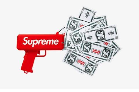 mai più senza: ecco la pistola spara-soldi firmata supreme