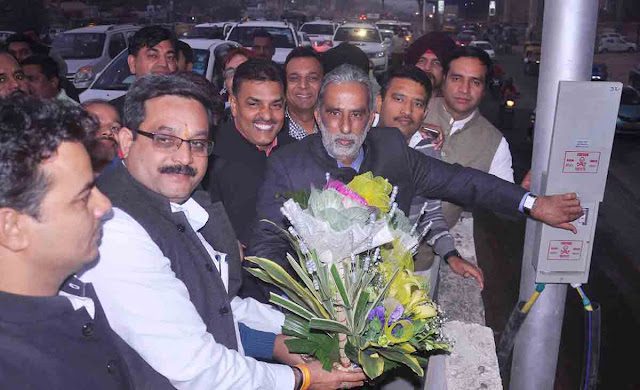 Modi's Minister K P Gurjar made a switch on and Jagga took the National Highway in Faridabad
