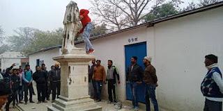 king-edward-statue-broken-in-bettiah-medical-college