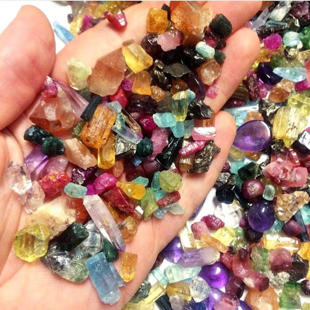 Places Where Can You Go to Dig for Gemstones