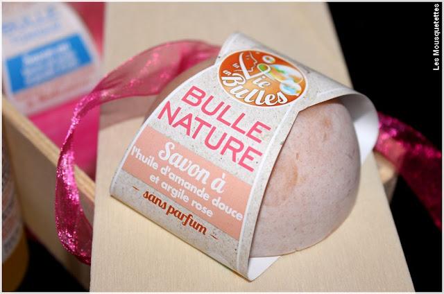 Bulle de savon nature, huile d'amande douce et argile rose - La vie en bulles - Blog beauté