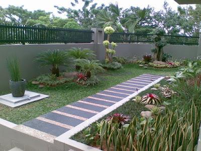 taman rumah minimalis depan rumah mungil
