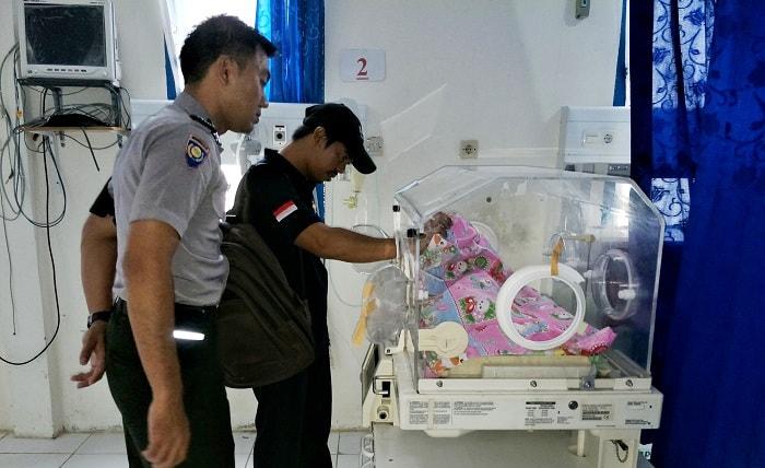 BAYI KEMBAR PREMATUR: Salah Satu Wafat
