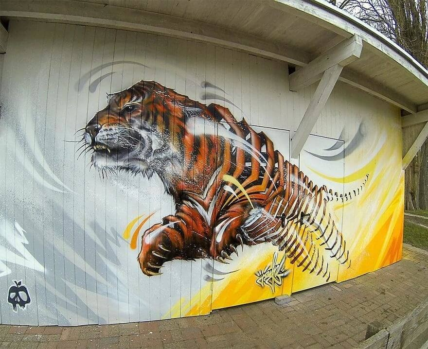 08-Tiger-Jayn-Slice-Style-Animal-Street-Art-www-designstack-co