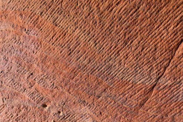 Detalle del interior de la Tumba de la Urna, Petra, Jordania