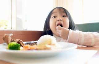 Mengatasi pola Makan Anak