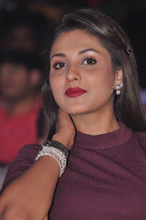 Actress Madhu Shalini Pictures in Short Dress at Oopiri Audio Launch  0001