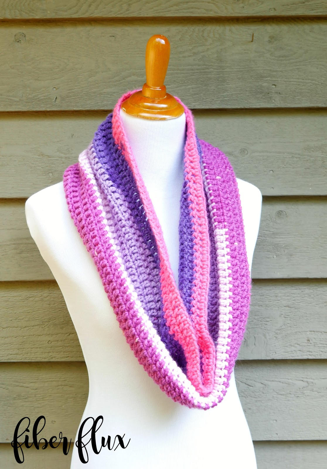 Fiber flux how to crochet a cowl for the absolute beginner learning how to crochet need a refresher or quick project youve come to the right place this beautifully striped beginner cowl is fun and super duper bankloansurffo Gallery
