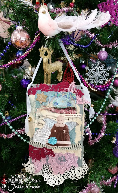 Christmas wall hanging by Lace Age Girl