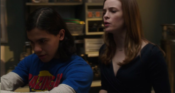 Camisetas Cisco Ramón en The Flash : Bazinga