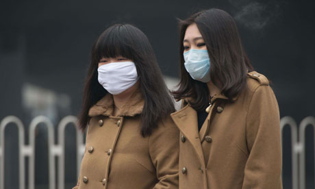 Women wearing face masks in Polluted Beijing