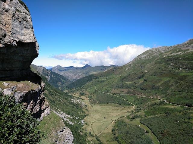 Valle de Saliencia desde el Mirador del Lago de la Cueva