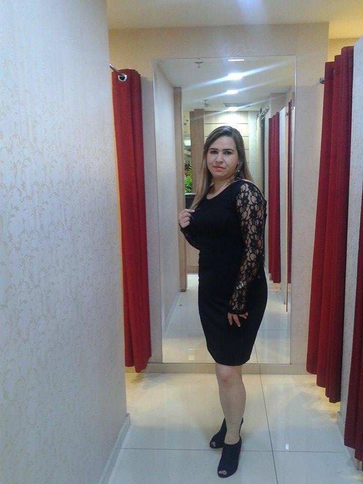 7e9fceacda Eu usei este vestido tubinho preto que tem esses detalhes de renda na manga  que dá um toque todo especial