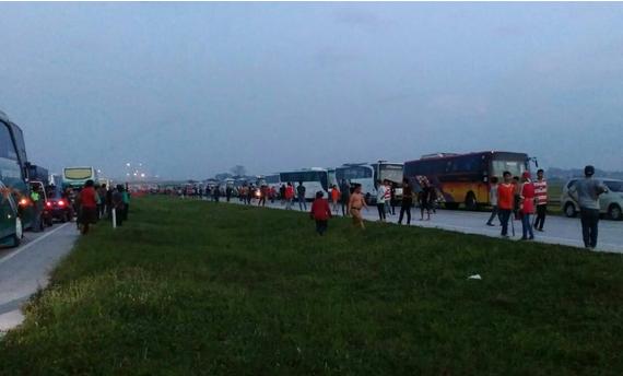 Kerusuhan Suporter di Tol Cipali