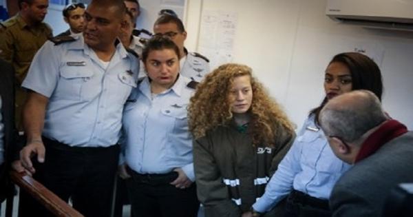 Sejak Intifada al-Quds, 445 Perempuan Palestina Ditangkap
