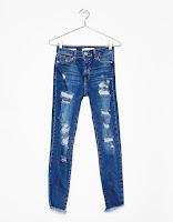 https://www.bershka.com/fr/femme/vêtements/jeans/jean-coupe-skinny--déchiré-c1010193215p101109037.html?colorId=428&keyWordCatentry=Jean coupe skinny déchiré