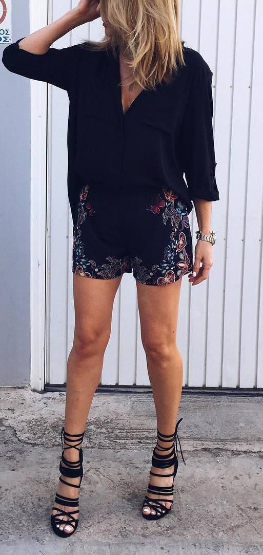 black on black: shirt + printed shorts + heels