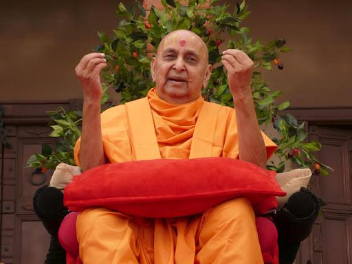 Bbcnn News Pramukh Swami Maharaj Prasangs Photos Pravachan Video