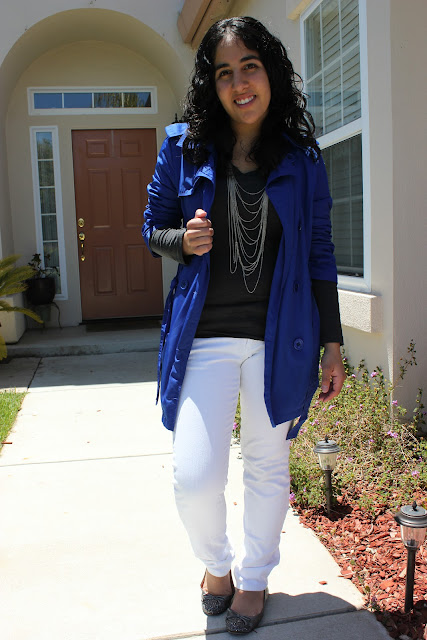 What to Wear Shopping | Blue Trench and White Jeans Casual Outfit
