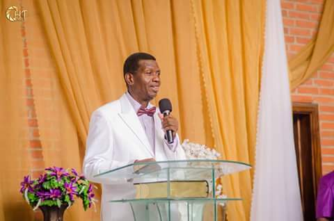 Pastor Enoch Adeboye turns 76years today,let's join papa celebrate