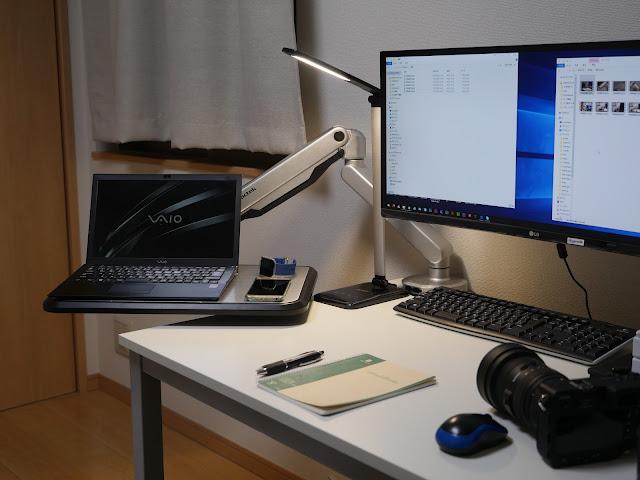 Loctek S2L 最大積載7Kg対応のテーブル付アーム。デスクトップを拡張!強力なアームで作業スペースを効率化