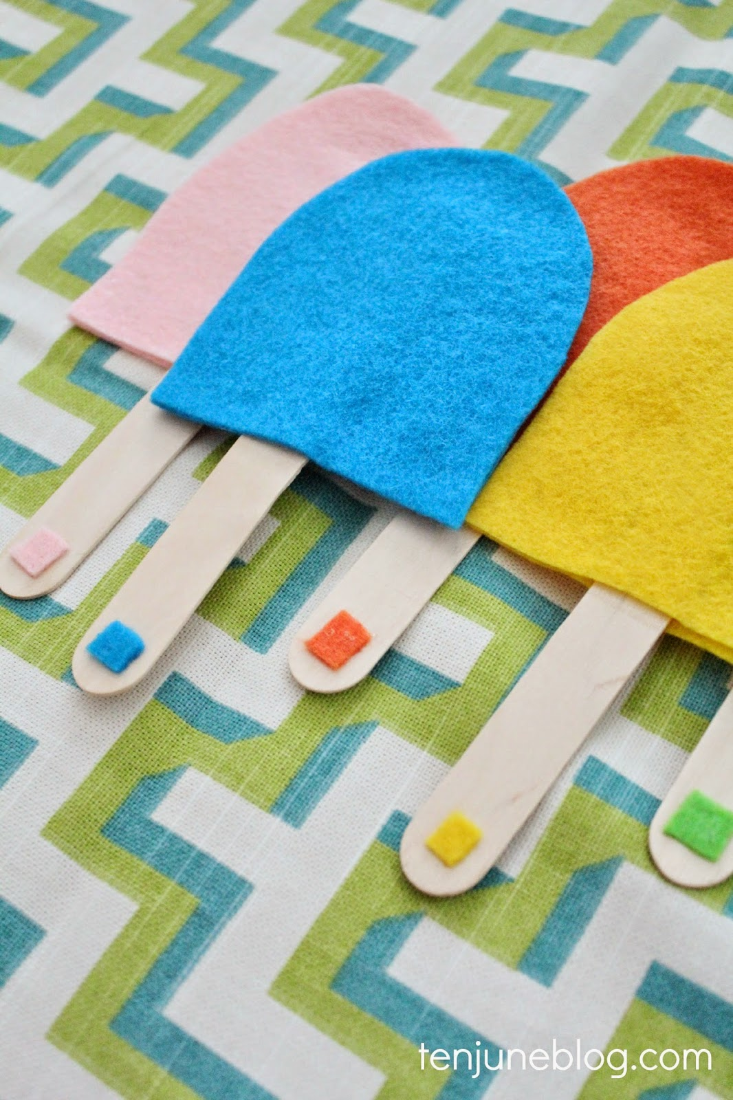 Ten June: DIY Toddler Busy Bag Popsicle Color Matching Game