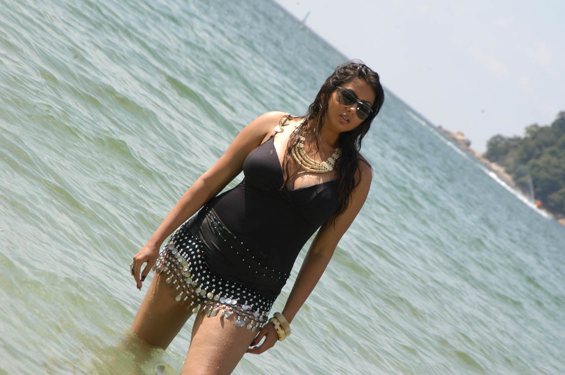 Namitha nude hd images-9325