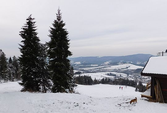 Stacja narciarska na Maciejowej.