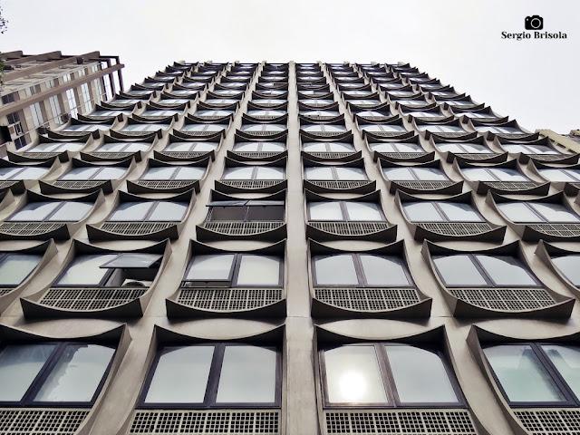 Perspectiva inferior da fachada do Edifício Campo Verde - Jardim Paulistano - São Paulo