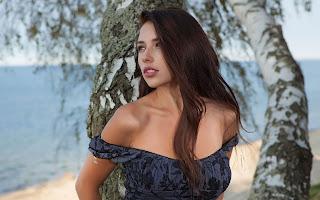 Horny and twerking - Sexy Naked Girl Niemira - 1