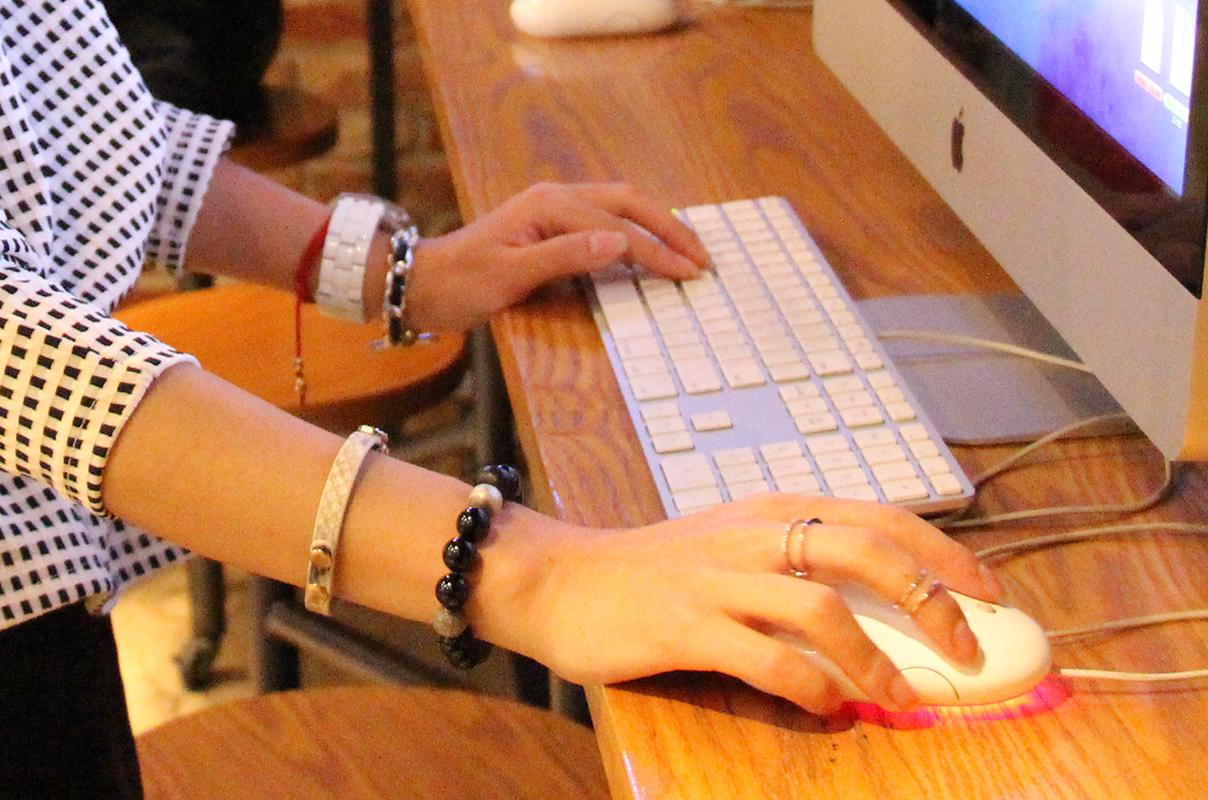 office look, skirt, seoul, fashionblogger, zoyaslookbook, пепелум, офисный стиль, мода, красота, новые фешн идеи, аксессуары, натуральный камень, браслет из натаральных камней