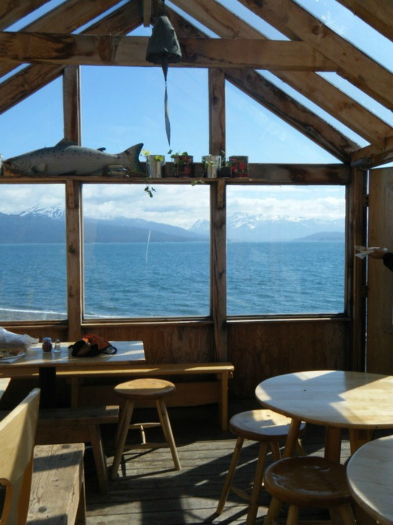 Rustic coastal loft with ocean view