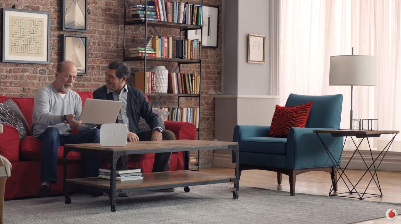 Canzone Vodafone Super Fibra Pubblicità | Spot con Bruce Willis 'Prende' di Settembre 2016