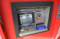 manfaat mesin kartu atm debit nasabah mandiri