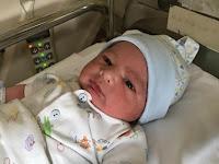Tampak Biasa, Netizen Temukan Kejanggalan di Foto Bayi Hengky Kurniawan yang Baru Diposting Ini