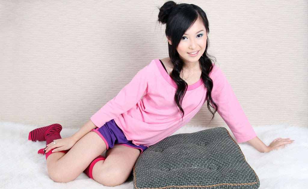 Super cute asians