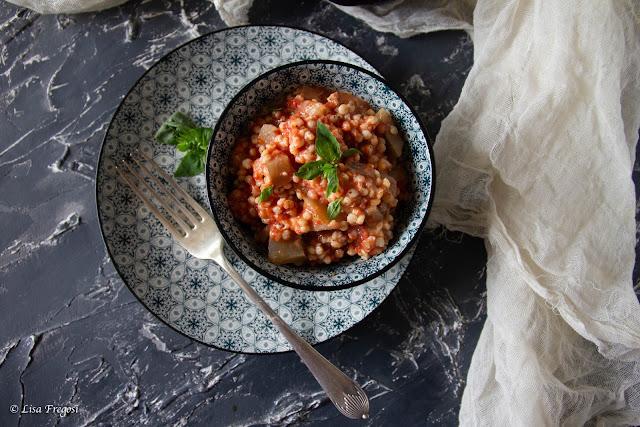 zuppa di sorgo con pomodoro e melanzane