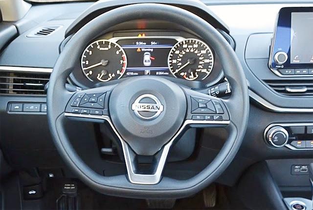 2020-nissan-altima-steering-wheel