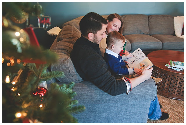 lifestyle family photos at home at christmas