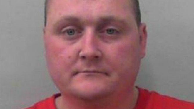 Pelaku Tindakan Rasial yang Meletakkan Babi di Sebuah Masjid di Inggris, Mati di Penjara