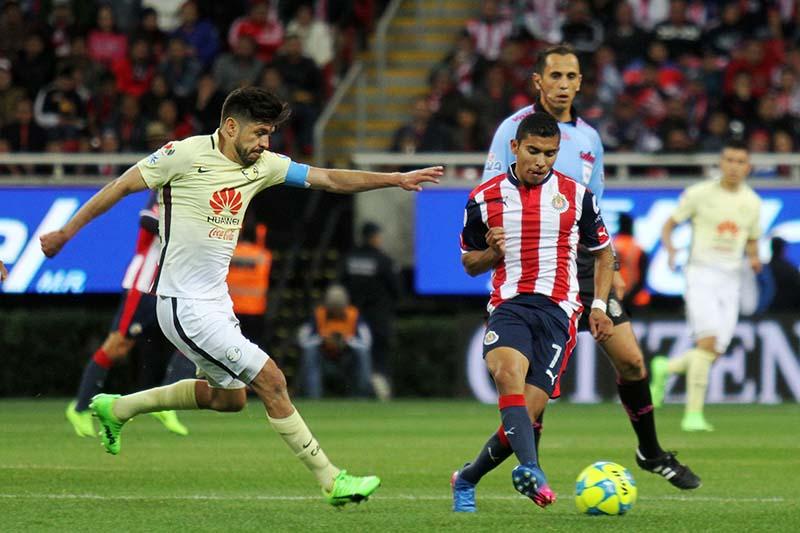 america domina el clasico nacional tras vencer 2-1 a las chivas