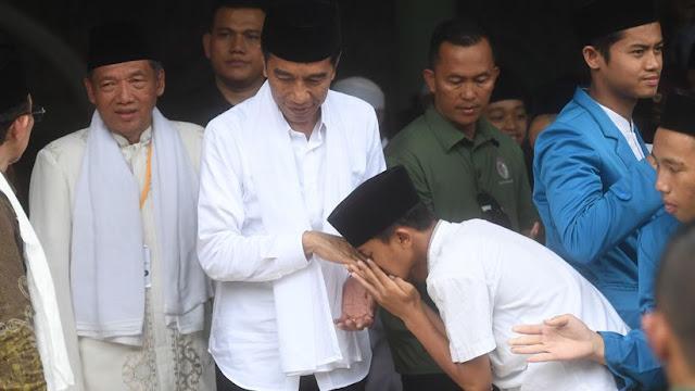 Bersilaturahmi ke Ponpes, Jokowi Didoakan Panjang Jabatan