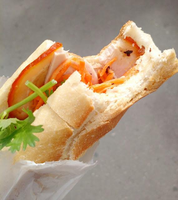Le Chameau Bleu - Blog Gastronomie et Voyage -Banh Mi Sandwich Vietnamien