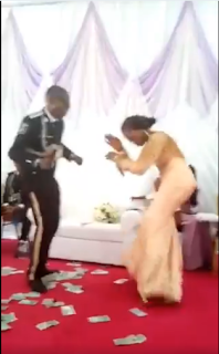 Bride Beats Husband With Zanku, Legwork And Gbe Body Eh Moves On Dance Floor