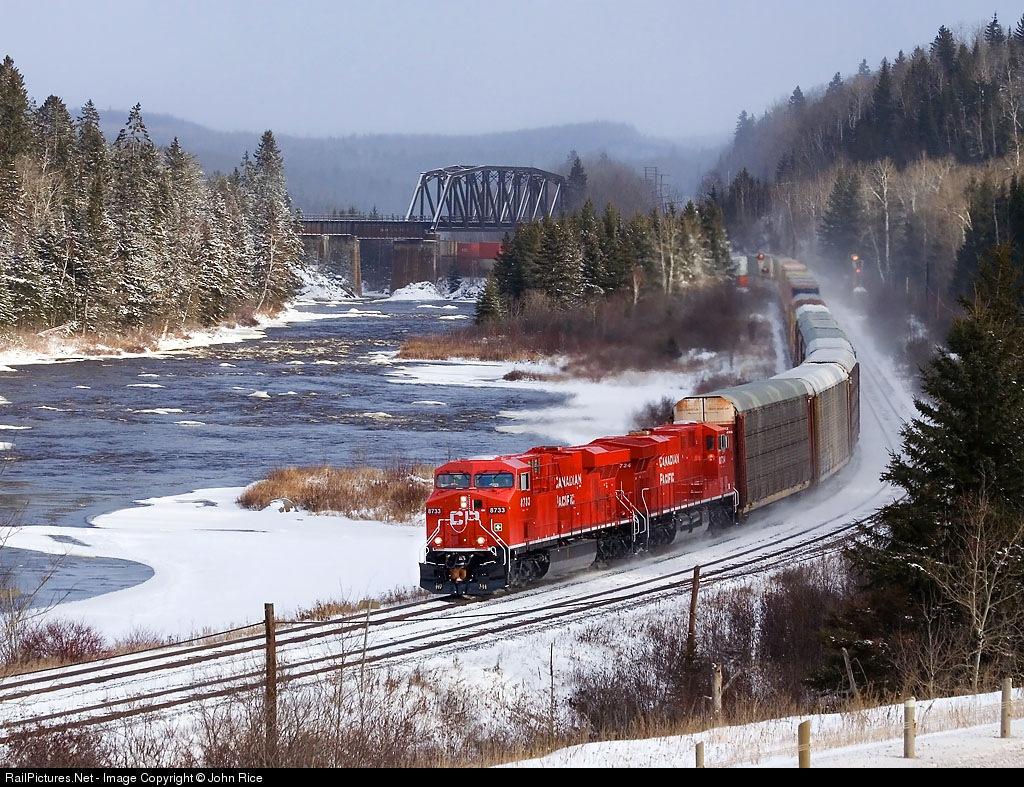 Lintasa Kereta Api Yang Unik Gambar Gambar Lucu Unik
