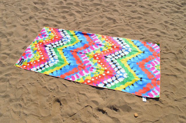Tesalate Rio Carnival Beach Towel