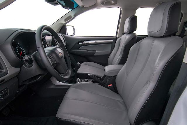 Chevrolet S-10 2017 LTZ - interior