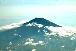 Cerita Mendaki Gunung Slamet 3428 Mdpl