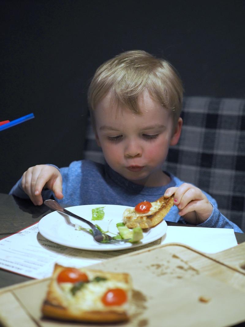 lasten kanssa ravintolaan