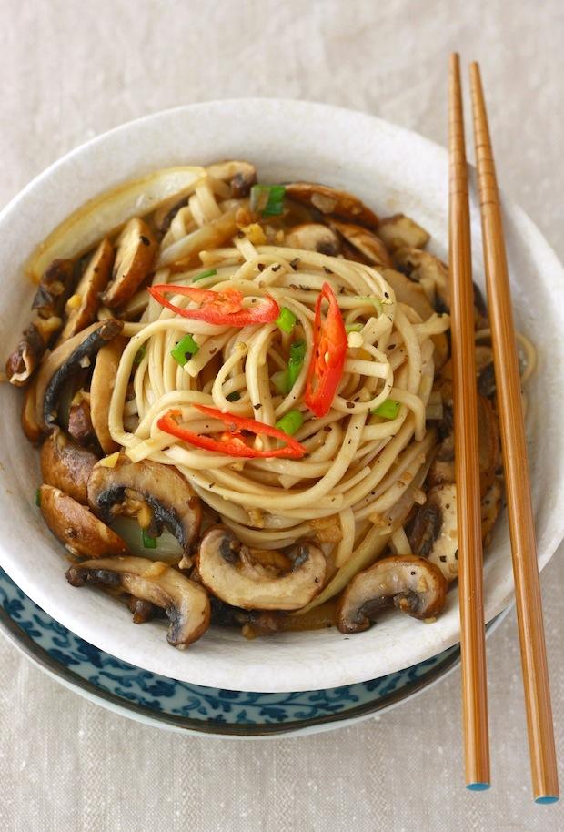 Ramen Noodles with Sautéed Mushrooms by SeasonWithSpice.com